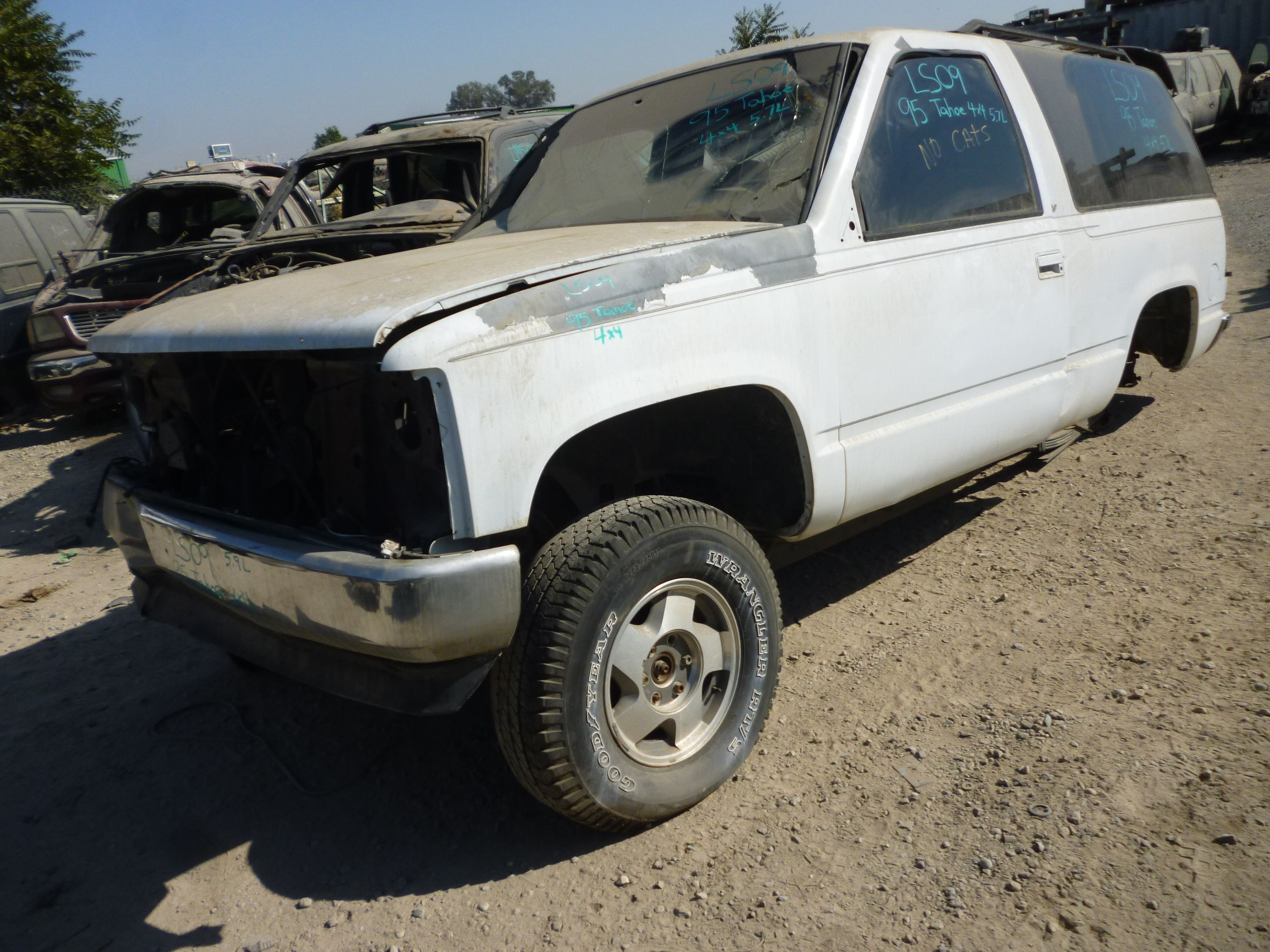 Parting out 1994 gmc sierra and 1996 chevy 1500 trucks - 1995 Chevy Tahoe 2 Door 4wd 5 7l 132k Miles Ball Joint Brake Pads Brake