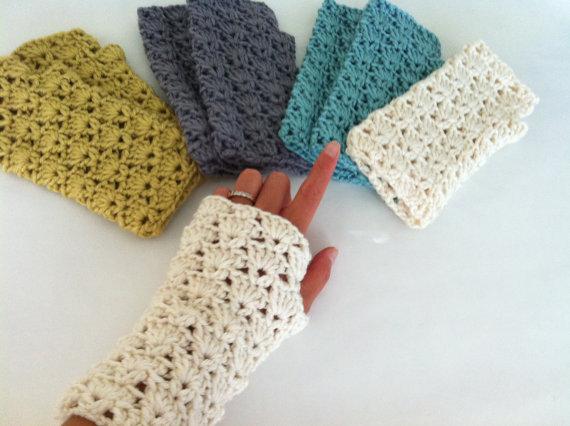 Crochet Shells Fingerless Gloves, Crochet wrist warmer fingerless ...
