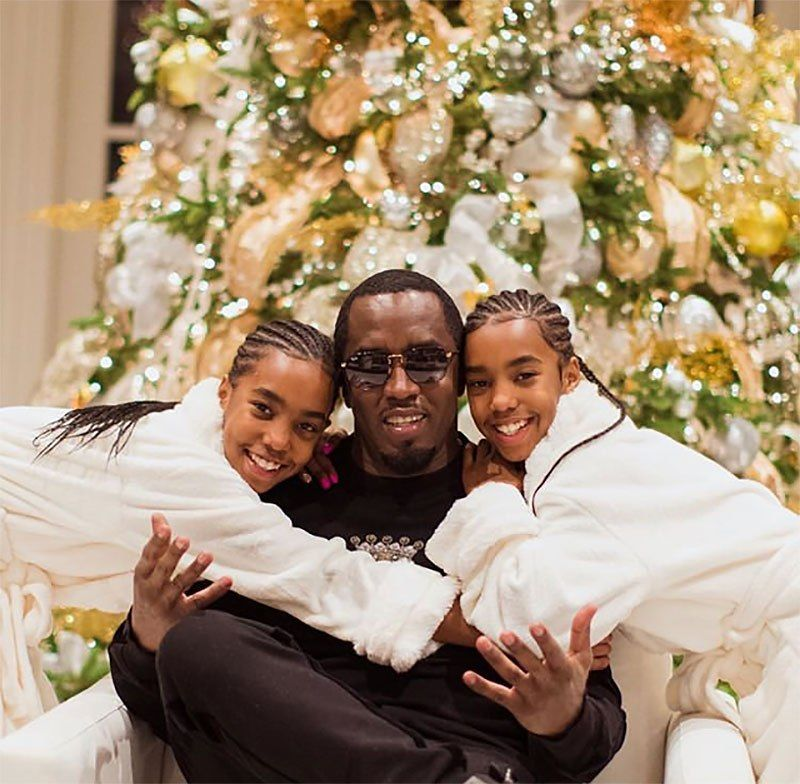 Celebs Celebrating Christmas 2018 — PICS Celebrities