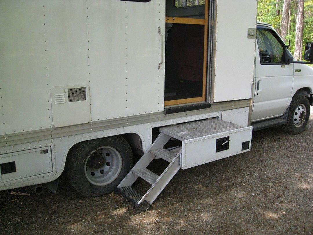 14 Simple And Genius Box Truck Rv Conversion Vanchitecture Truck Camper Trucks Camper Conversion