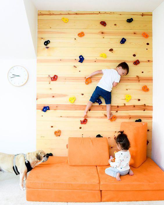 Insolite : installez un mur d'escalade dans une chambre d'enfant