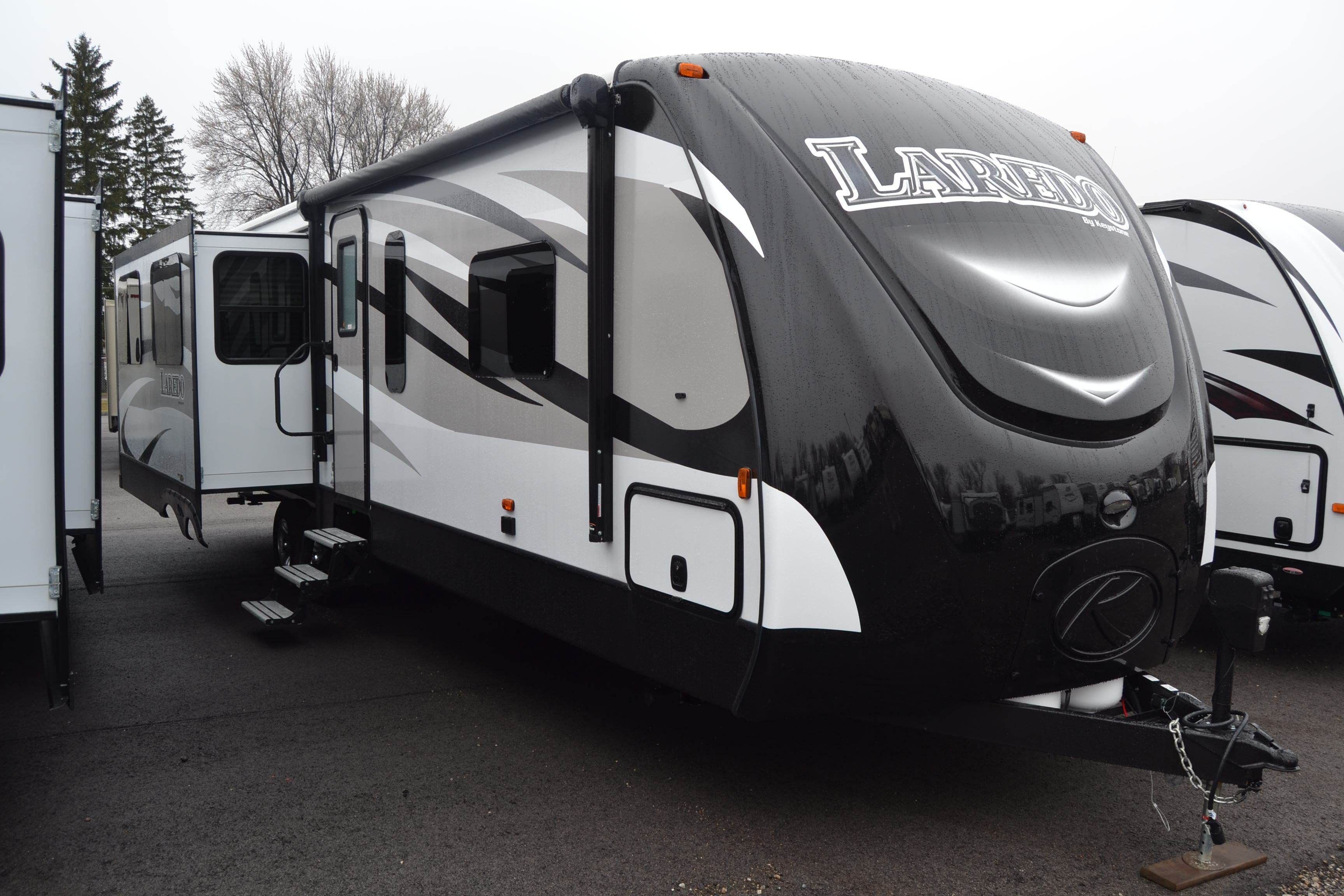 AND PRACTICAL TRAVEL TRAILER! 2016 Keystone