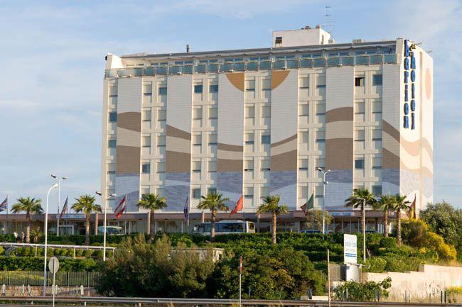 L'Hotel Barion offre ai suoi ospiti tutti i servizi utili a rendere piacevole e impeccabile il proprio soggiorno #BrindisiTorreaMare #Nettopartners http://www.nettobooking.com/puglia/barion-hotel