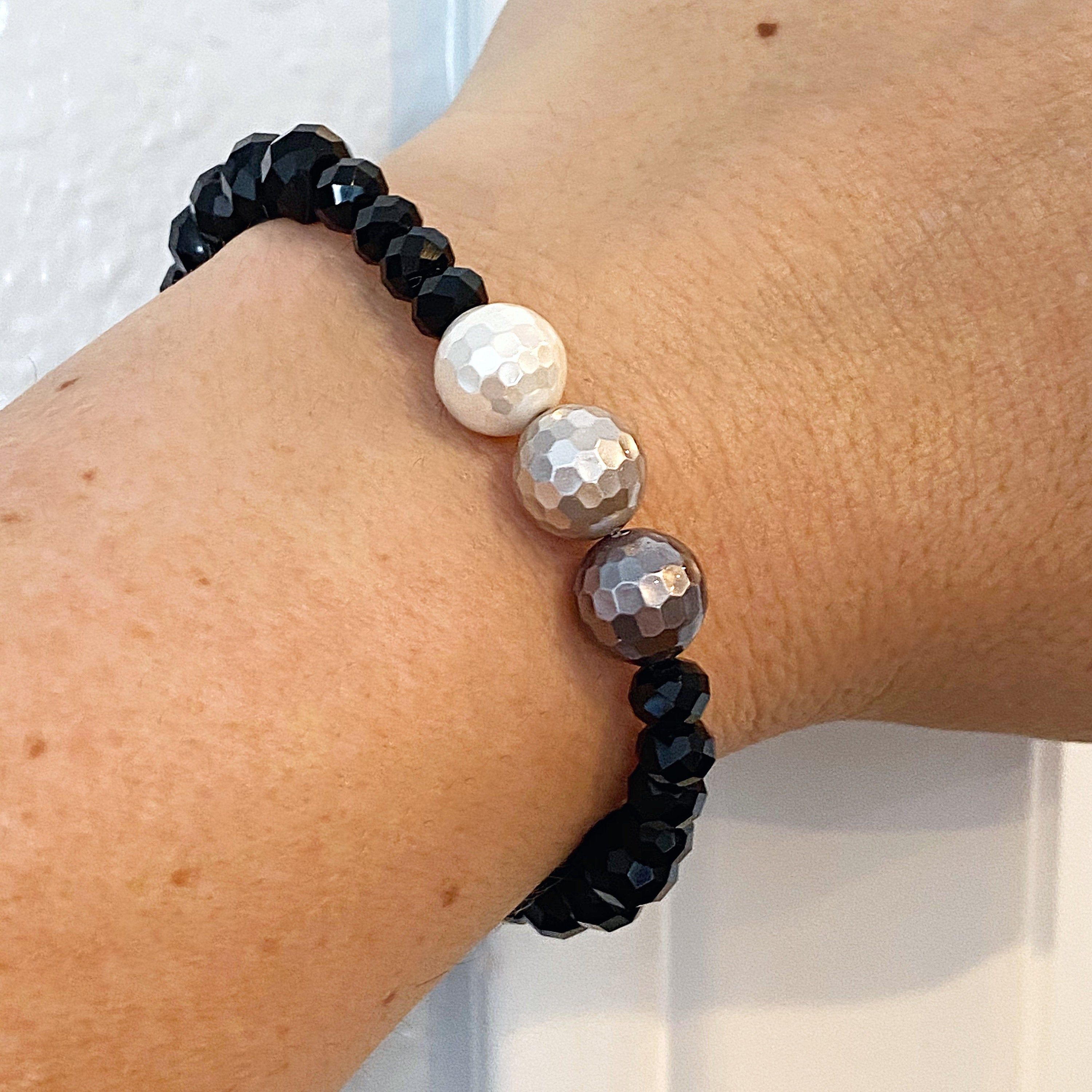 Black /& White Bracelet Handcrafted Beaded Bracelet Czech Glass,Mother of Pearl,Ladies Jewelry Gift Ideas For Her,Stretchy Black Bracelet