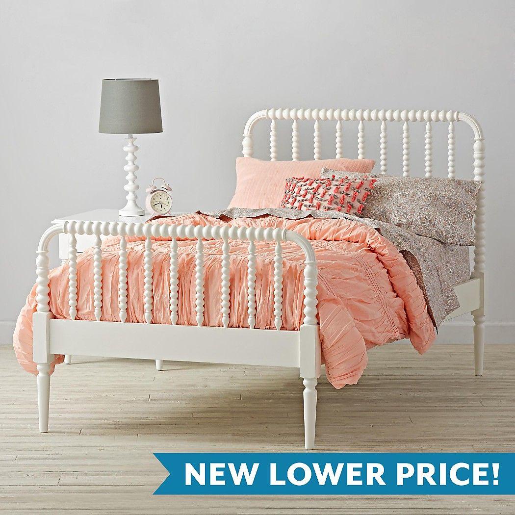 jennylindbedwhite! I want this bed for Ariana Jenny