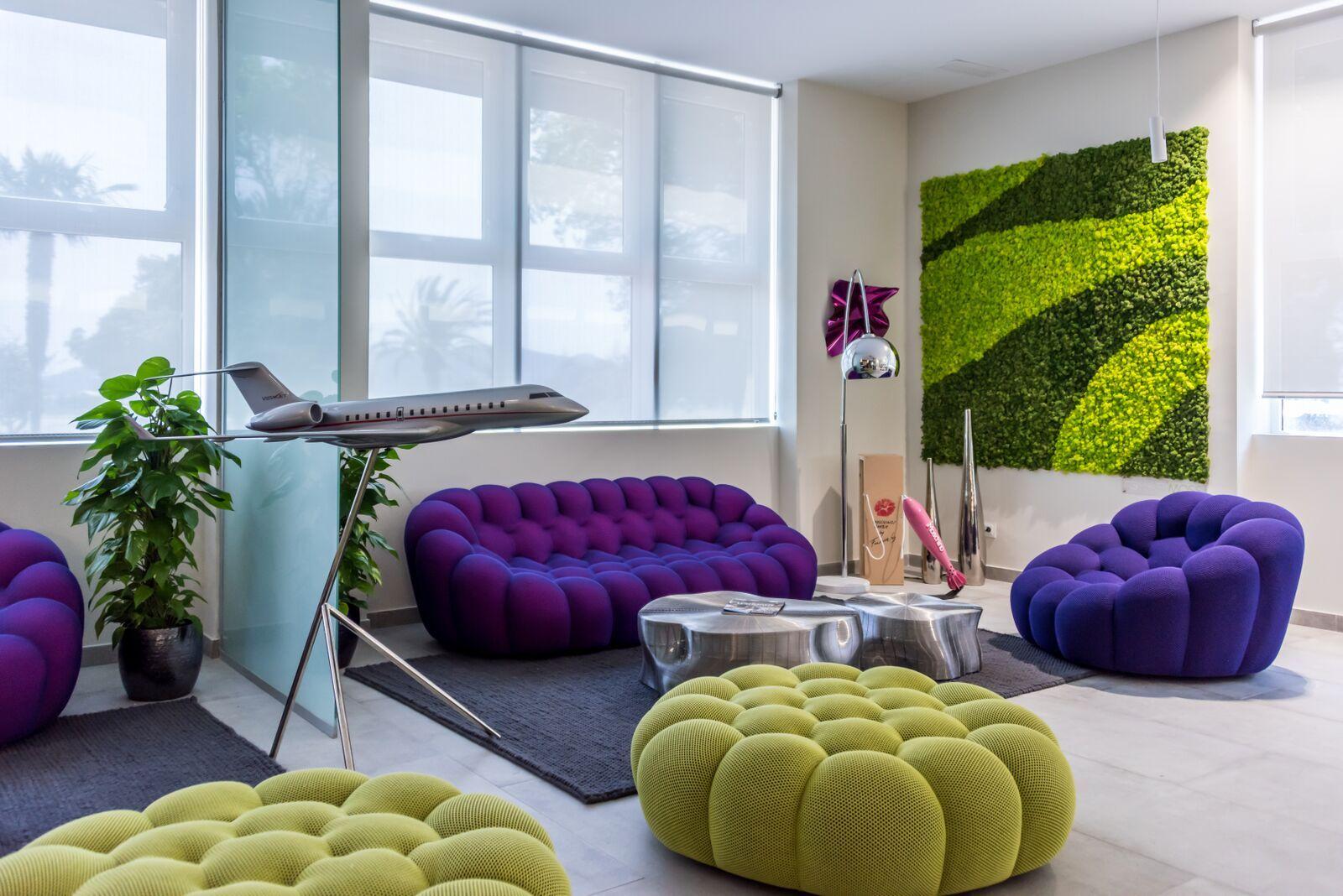 Roche Bobois Bubble Sofa Can Be Found In Ibiza S Private Airport Vip Lounge Deco Maison Deco Salon Deco