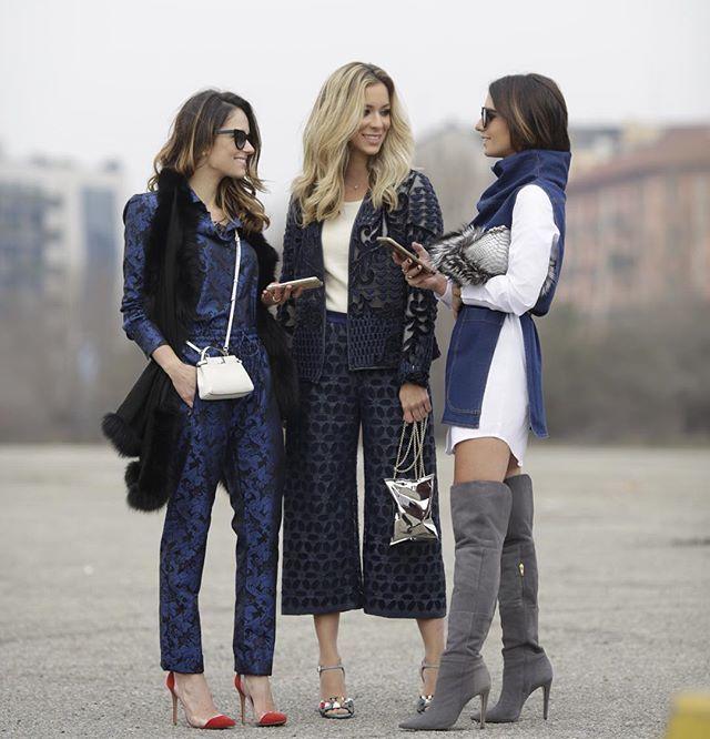 •  Happy Fashion Week Moment w/ my girls! Tãooo feliz em estar com elas... Pura alegria e boa energia! @helena_lunardelli @nicolepinheiro after @dieselblackgold show.  #FhitsMilao @fhits #mfw #CidadeJardimFashionTeam #DBGshow