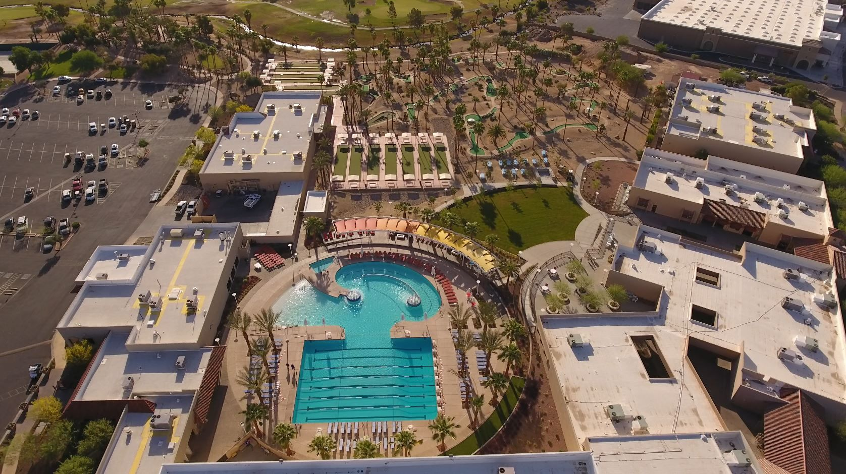 Here Is A Great Shot Of Sun City West In Phoenix Arizona This Community Wanted A Pool That Featured A Beach Entry Lap Sun City West Sun City Great Shots