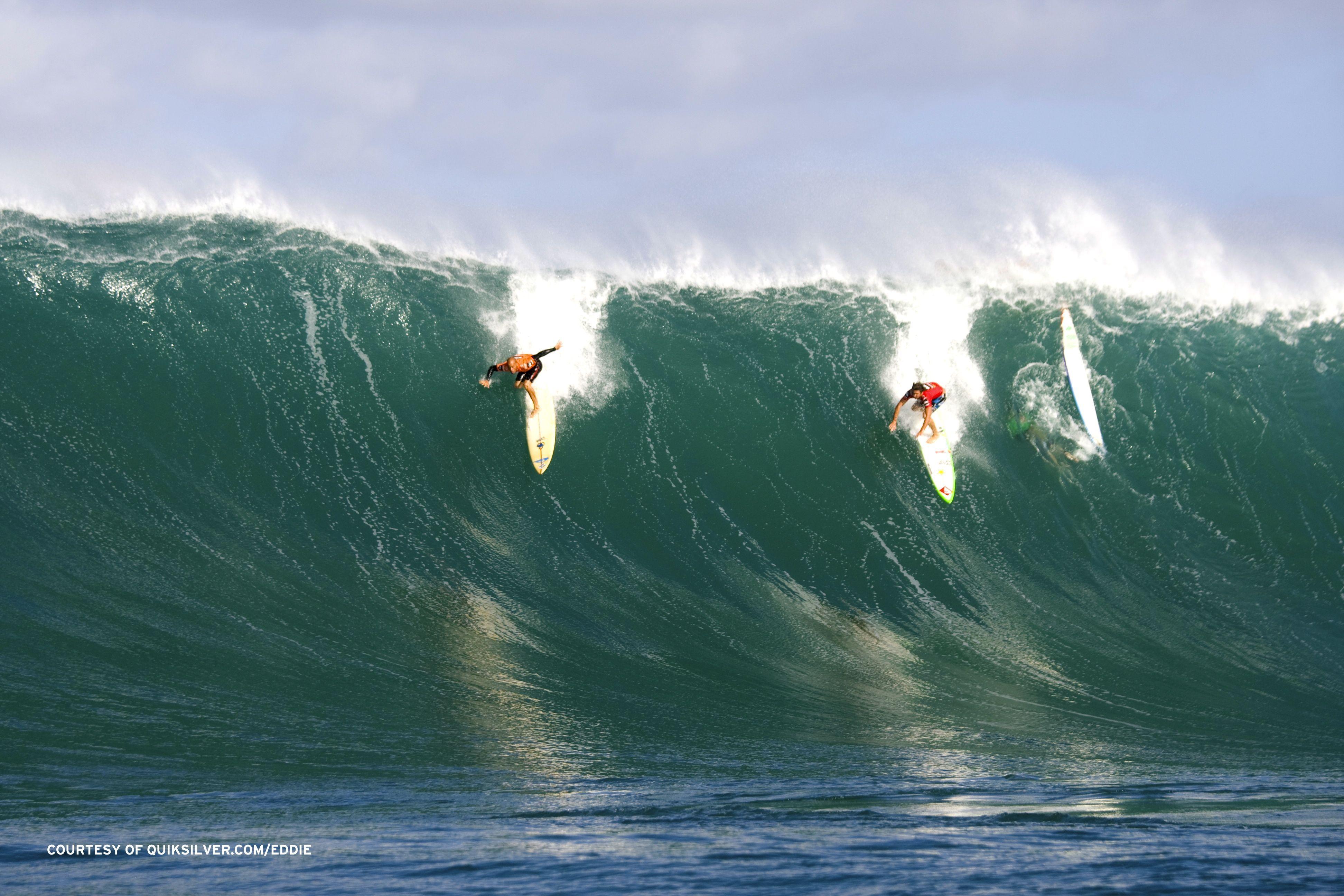 Kelly Slater & Reef McIntosh were both charging hard at Waimea the