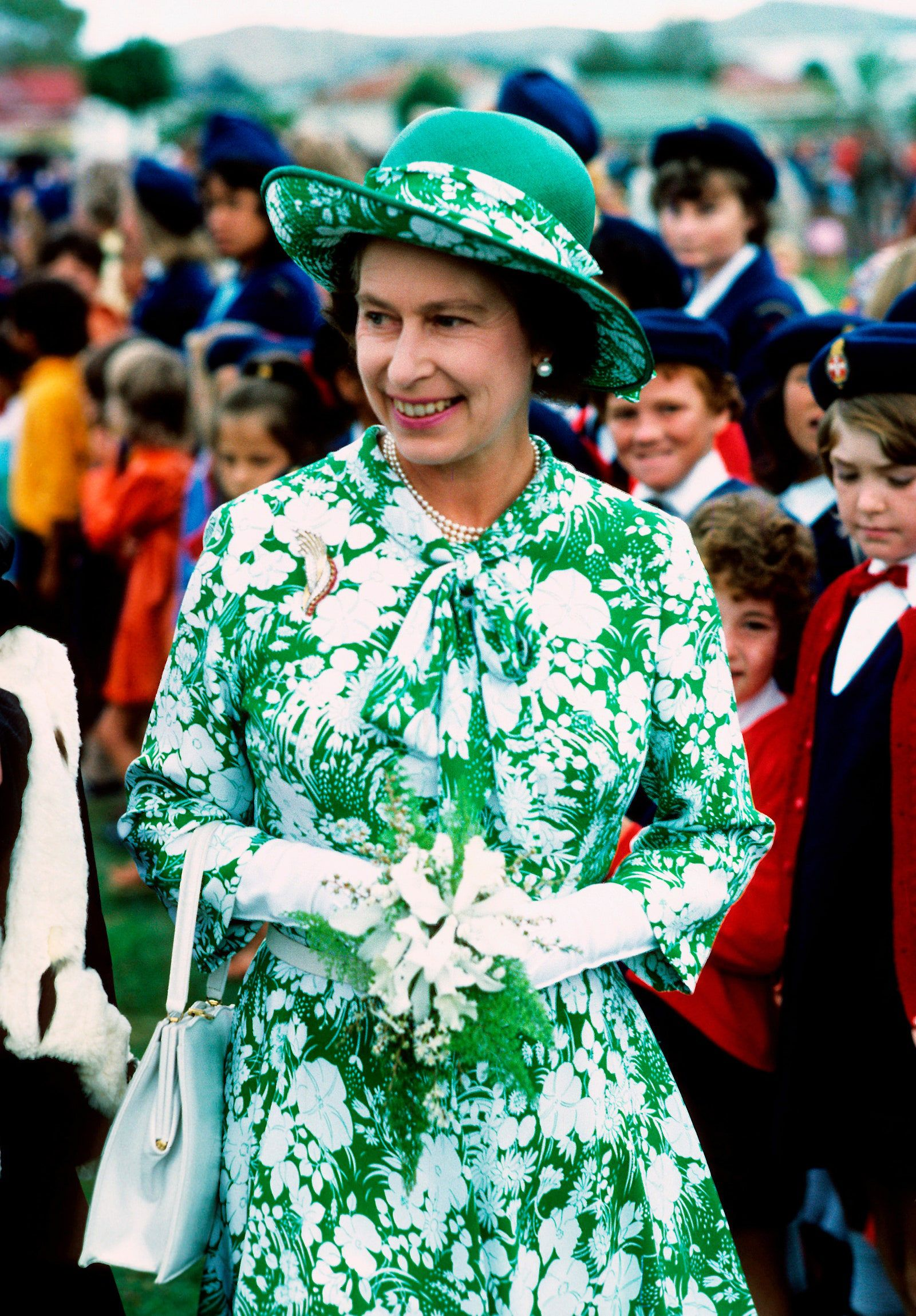 The Best Royal Outfits Of All Time In 2021 Queen Elizabeth Queen Dress Royal Outfits [ 2298 x 1600 Pixel ]