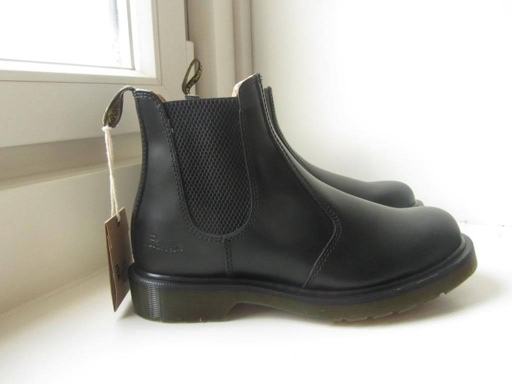 dr martens chelsea boots - Google Search | Shoes | Pinterest | Dr ...