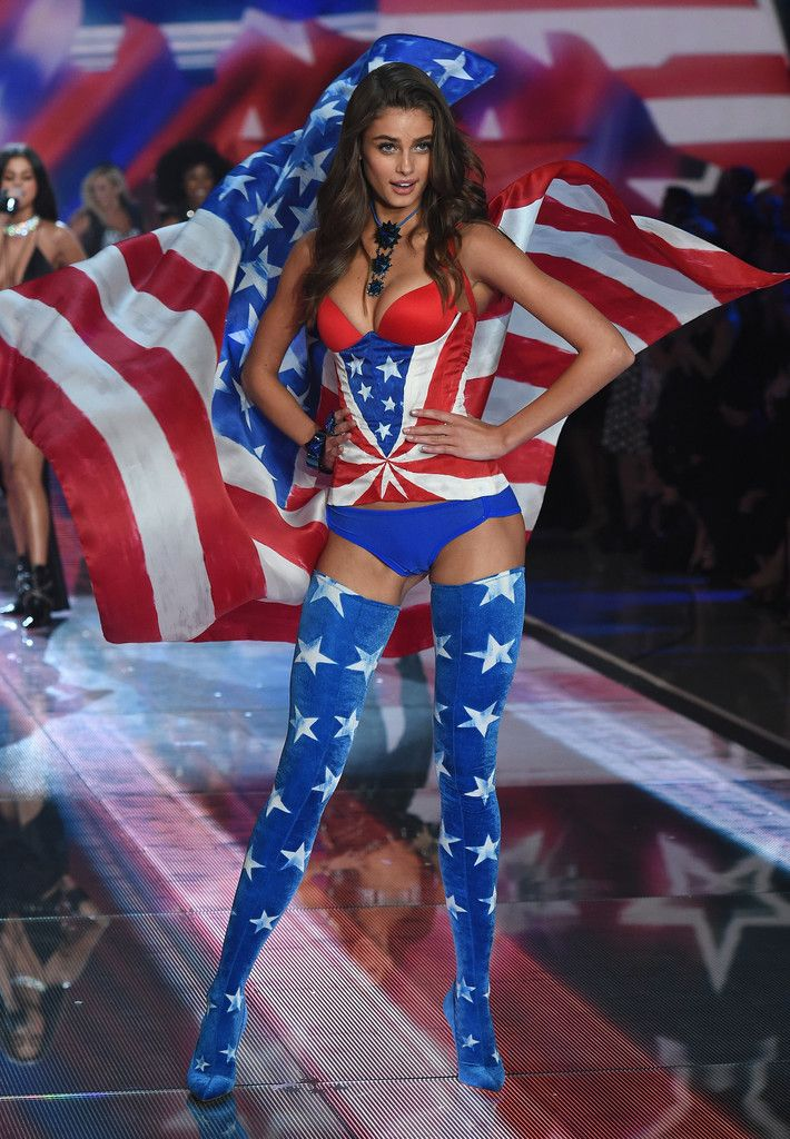 2ff4fb2d9ac Taylor Hill Photos Photos  Victoria s Secret Fashion Show 2015 ...