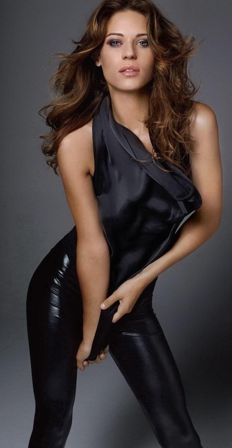 Lyndsy Fonseca Body
