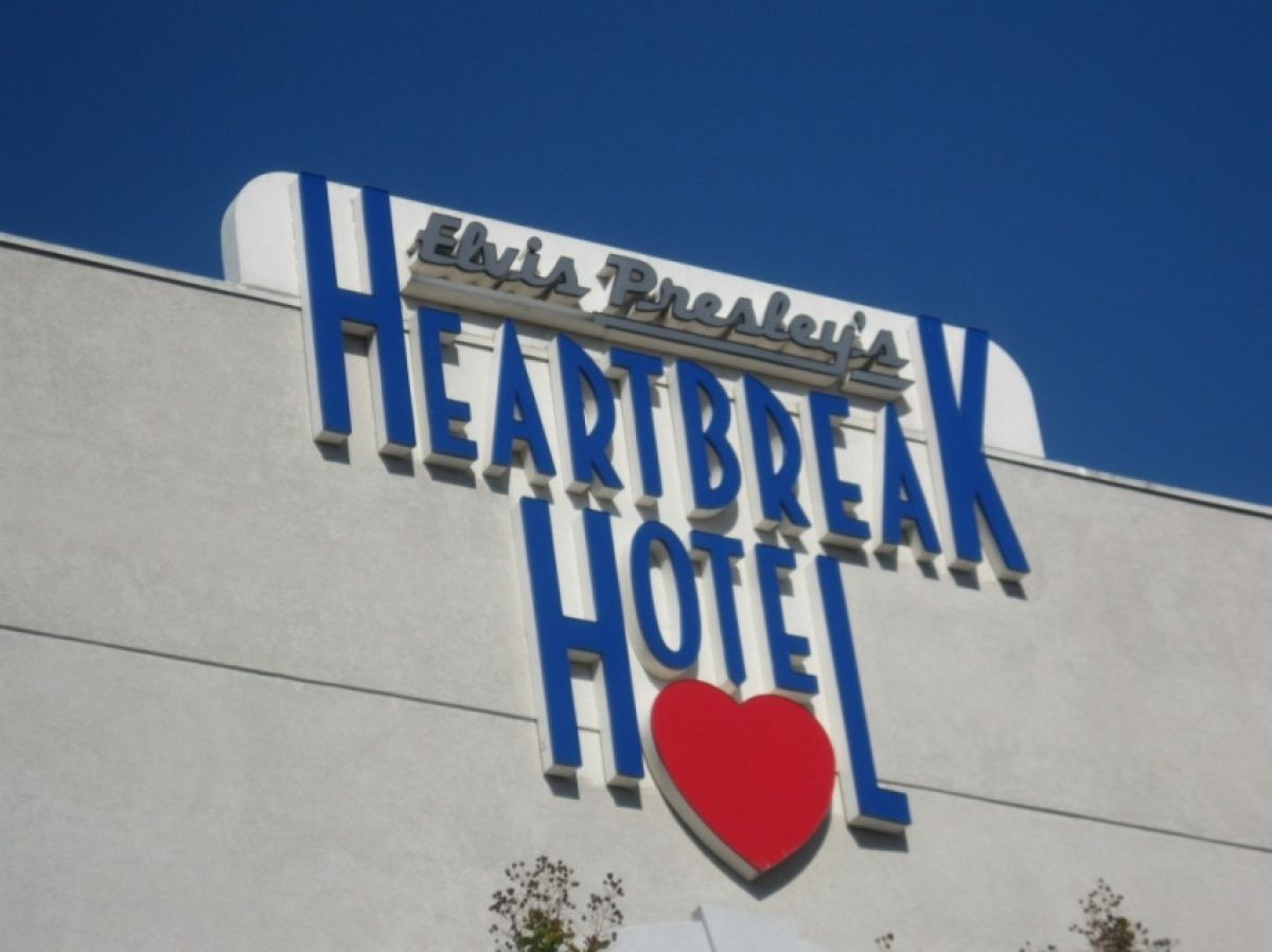Heartbreak Hotel Memphis Located Street