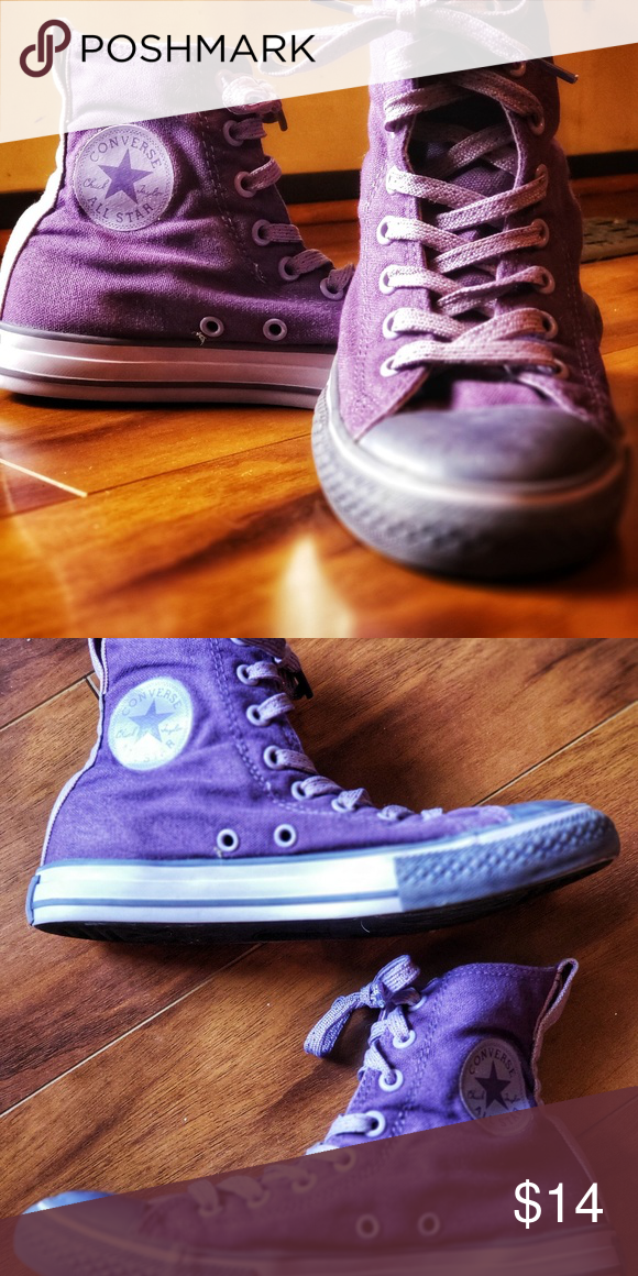 141d3c8bc374 Converse high tops sz 2 Youth Purple high top converse sz 2 Second photo is  with flash that s why color looks different. Smoke free home. Converse Shoes  ...