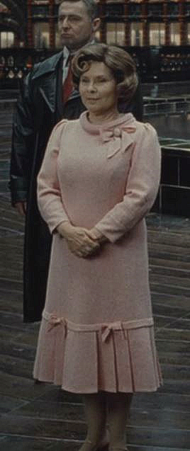 Dolores Umbridge Hp7 Part 1 Harry Potter Outfits Dolores Umbridge Harry Potter Umbridge