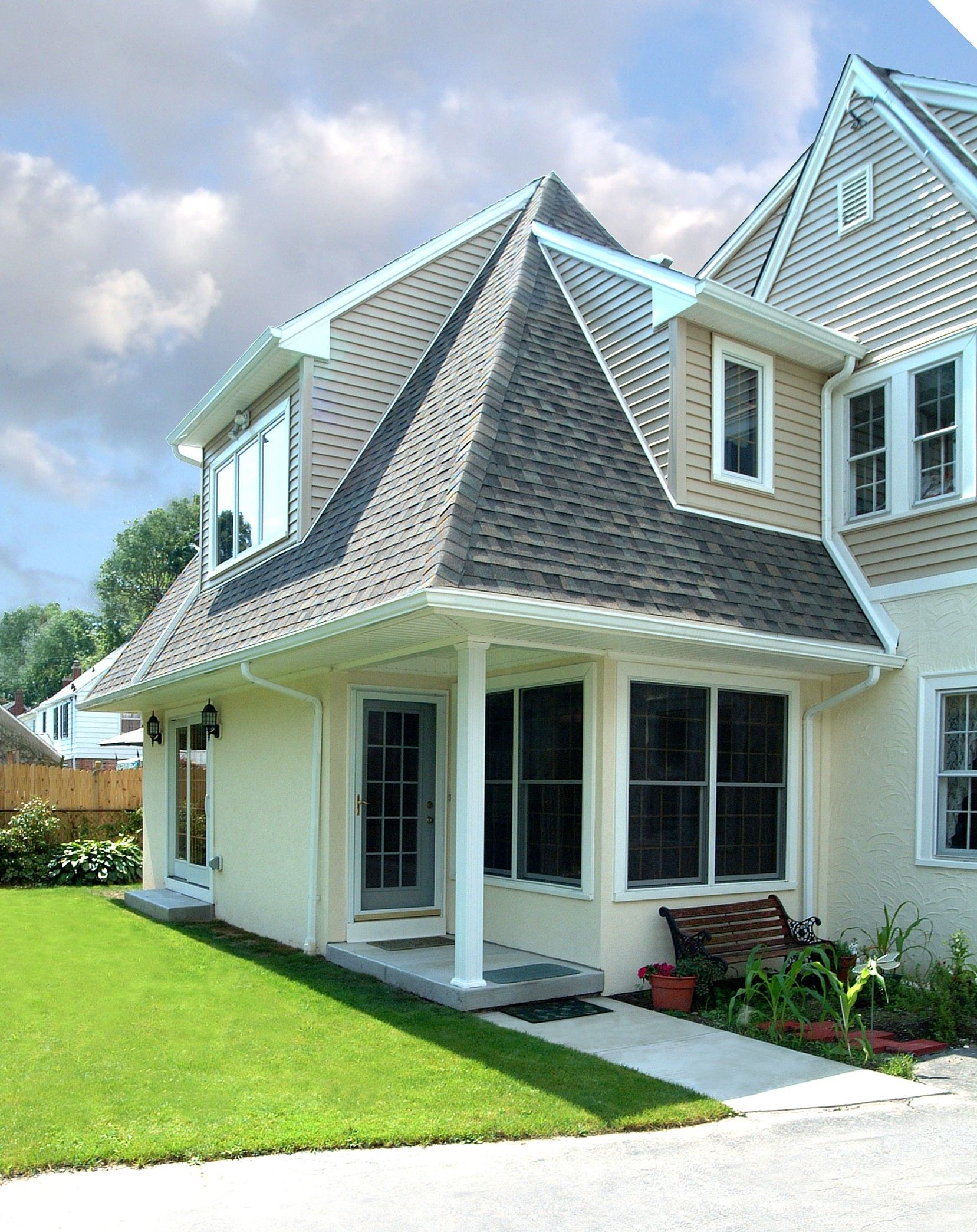 Best Love How This Roof Came Out Home Improvement Contractors Pretty House Home Additions 400 x 300