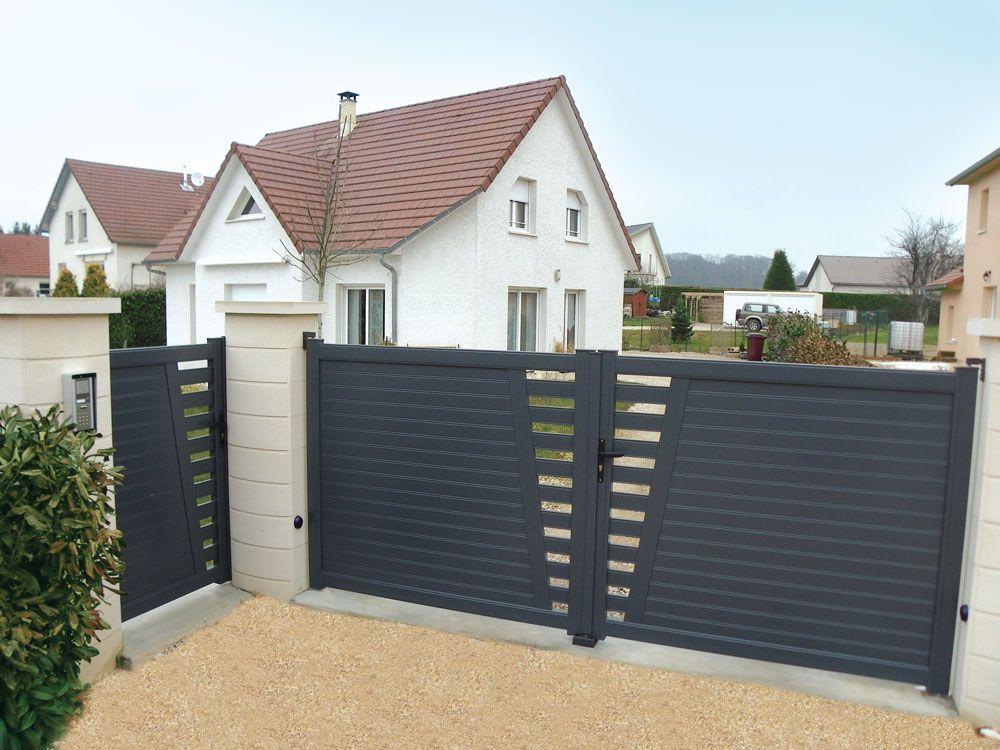 Derval ensemble portillon et portail coulissant en aluminium contemporain klosea portail for Portail portillon
