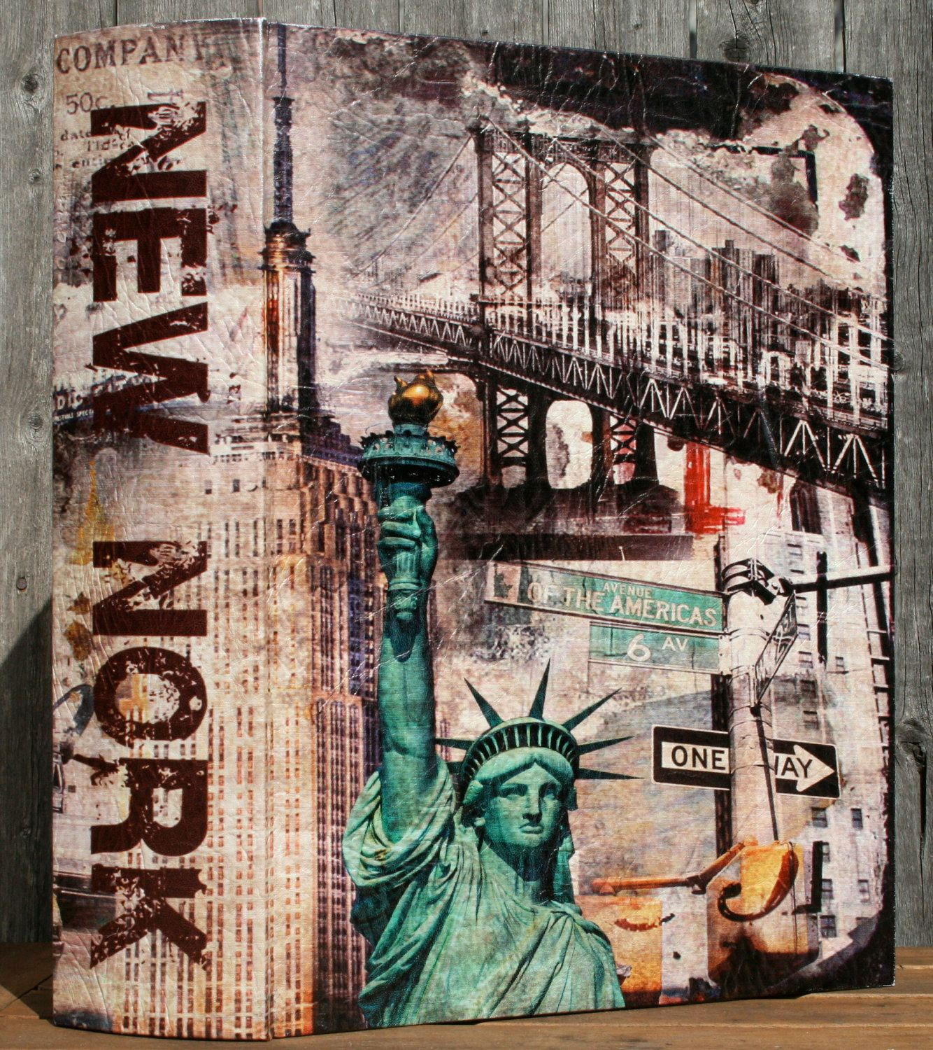 Dangle Earring Holder New York City Book (large)