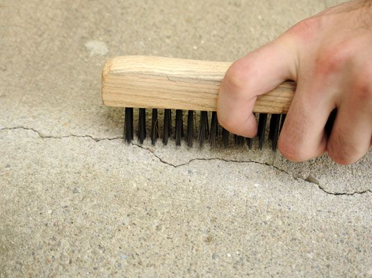 How To Fill Small Cracks In Concrete With Images Home Improvement