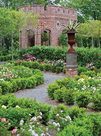 The Rose Garden At Moss Mountain Farm // P Allen Smith Garden Home Tour