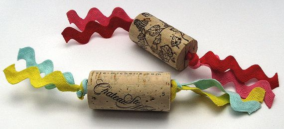 Wine Cork Cat Toys - bet I could make these, gods know I have ...