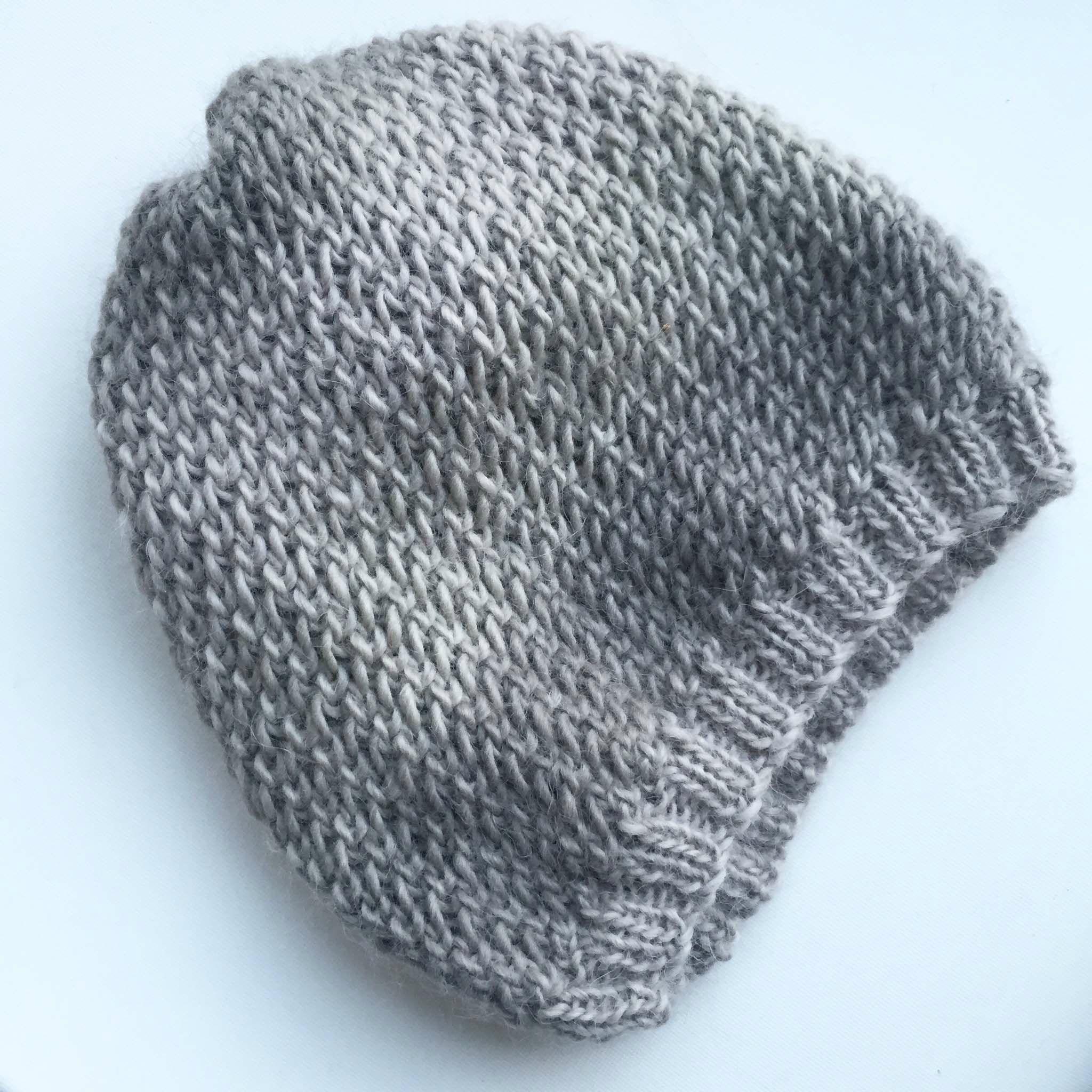 bonnet au point de filet tricot pinterest tricot bonnet et crochet. Black Bedroom Furniture Sets. Home Design Ideas