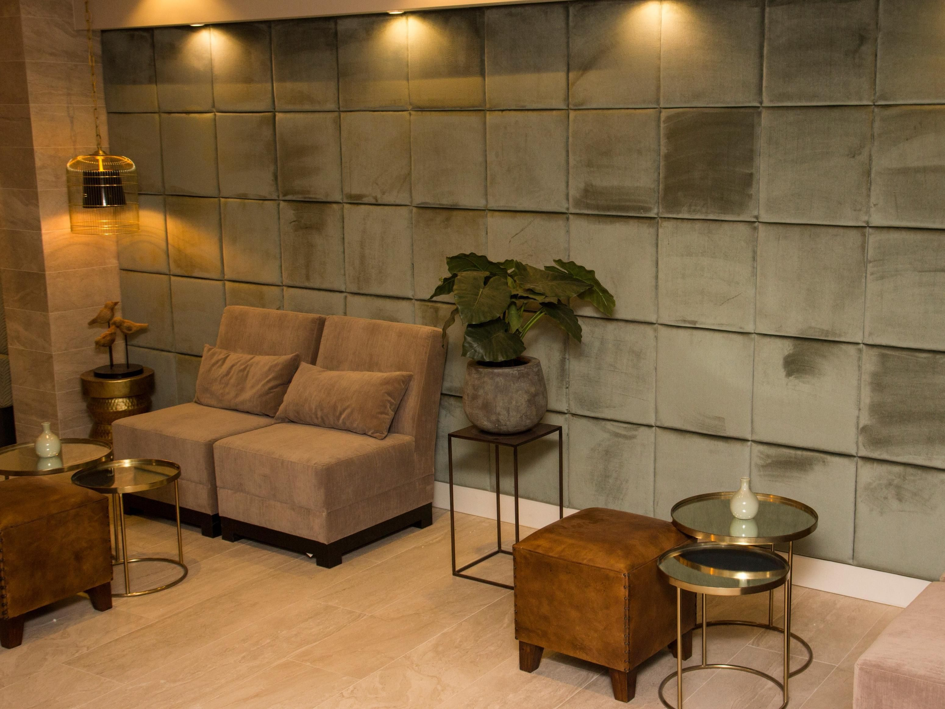 Amsterdam Hotel The Bird Netherlands, Europe Located in Amsterdam-Centrum, Hotel The Bird is a perfect starting point from which to explore Amsterdam. Offering a variety of facilities and services, the hotel provides all you need for a good night's sleep. Free Wi-Fi in all rooms, daily housekeeping, fax machine, photocopying, printer are just some of the facilities on offer. Guestrooms are fitted with all the amenities you need for a good night's sleep. In some of the rooms, g...