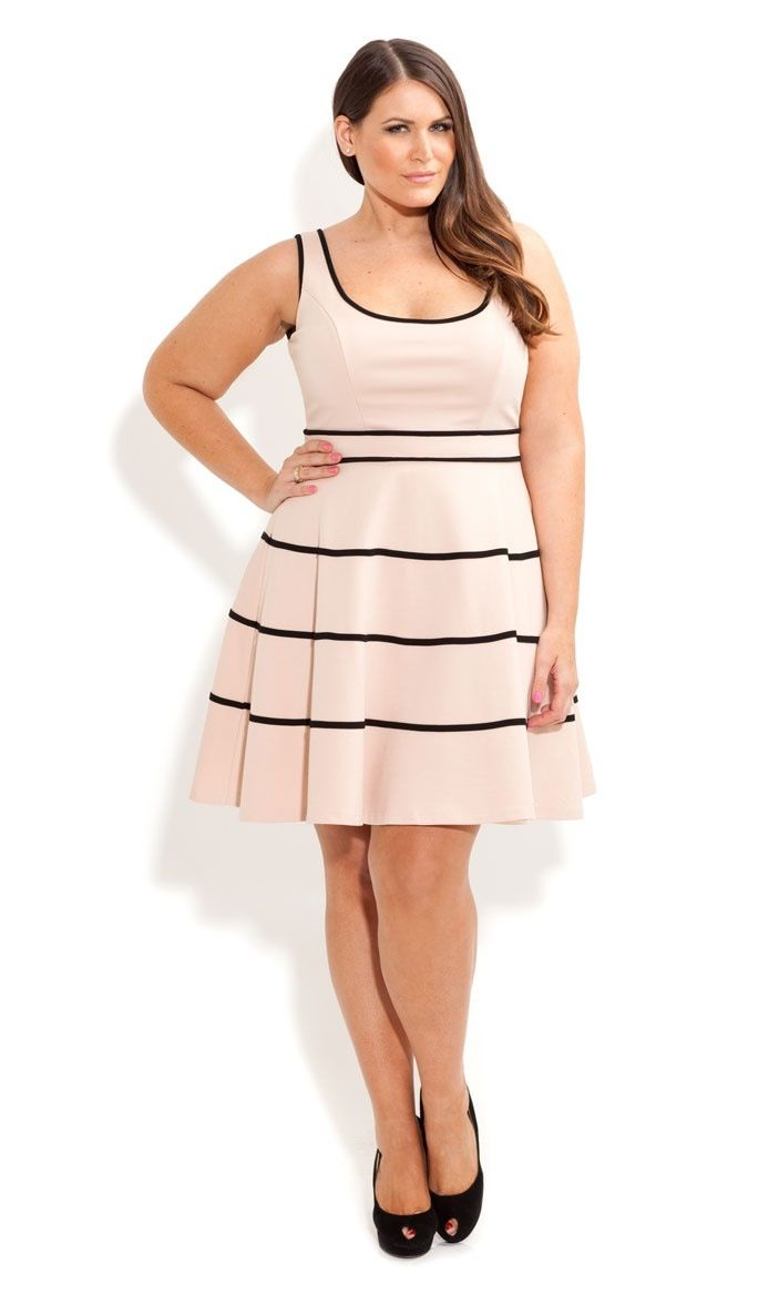 01abfe9f6 Plus size fashion.....why oh why do we keep seeing these horizontal striped  on big girls designs     Lovely dress