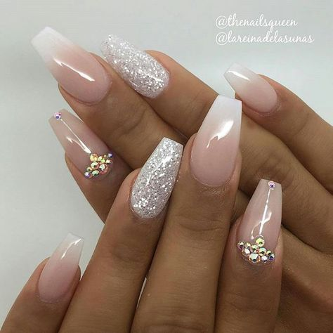 Pinterest Chloecurly Would Be Perfect For A Bride Or Bridesmaids Adds A Lovely Touch Of Sparkle Bride Nails Trendy Nails Wedding Nails