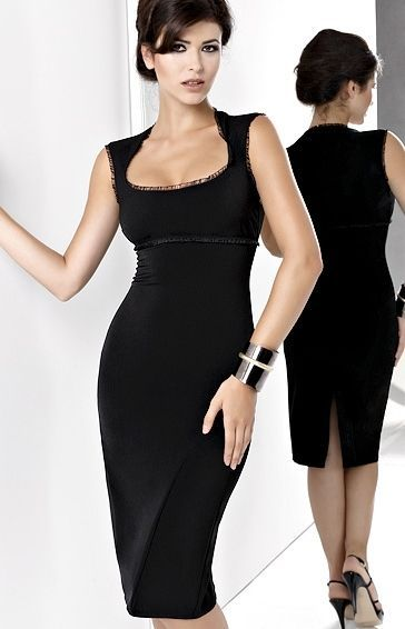 robe droite noire classique