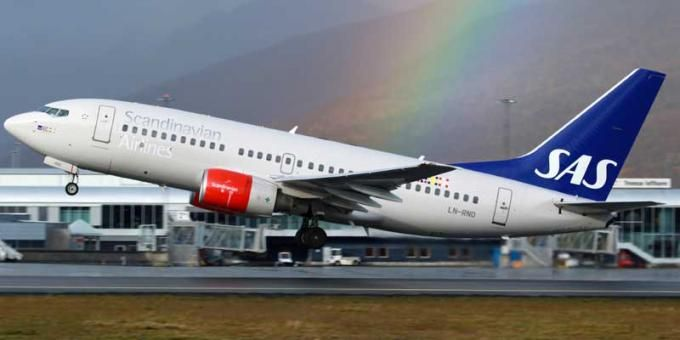 Sas Is The Flag Carrier Of Three Nordic Countries Denmark Norway And Sweden It Is Scandinavia S Second Larges Airline Booking Nordic Countries Scandinavian