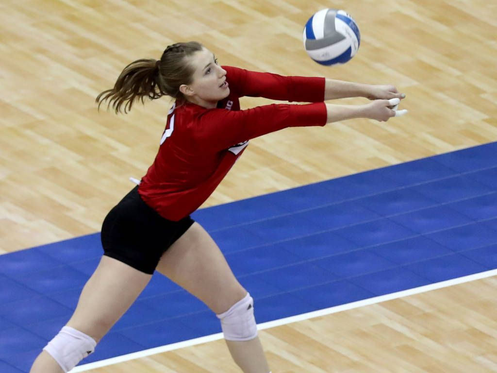 Albrecht Signs With Nantes In France Female Volleyball Players Professional Volleyball Players Volleyball Players