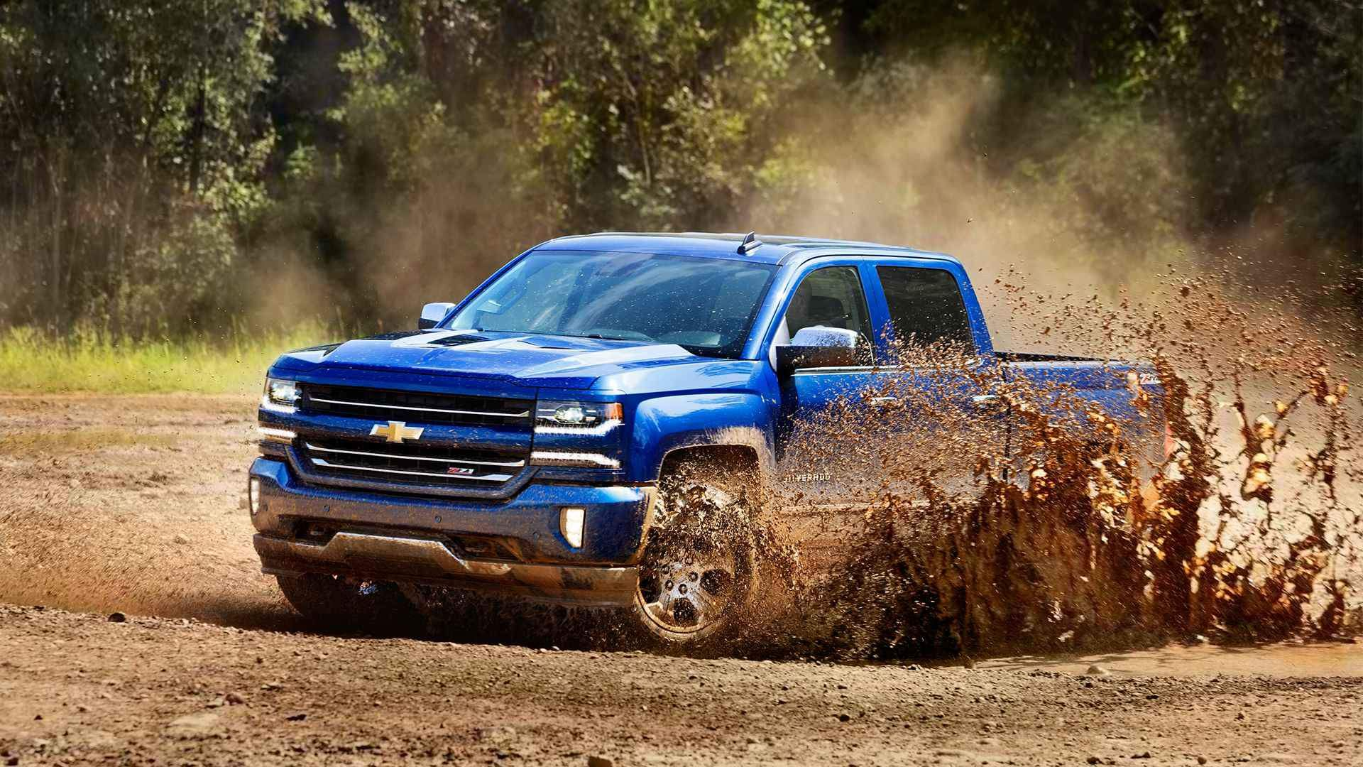 A Rugged Rumble 2016 Chevy Silverado Vs 2016 Toyota Tundra Chevrolet Silverado