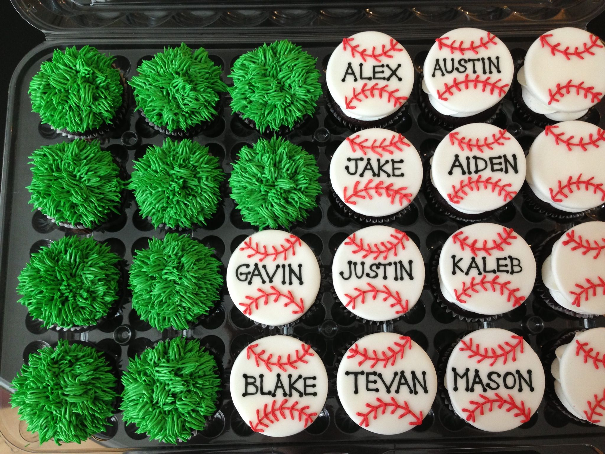 Baseball themed cupcakes Cakes and Cupcakes Pinterest Themed