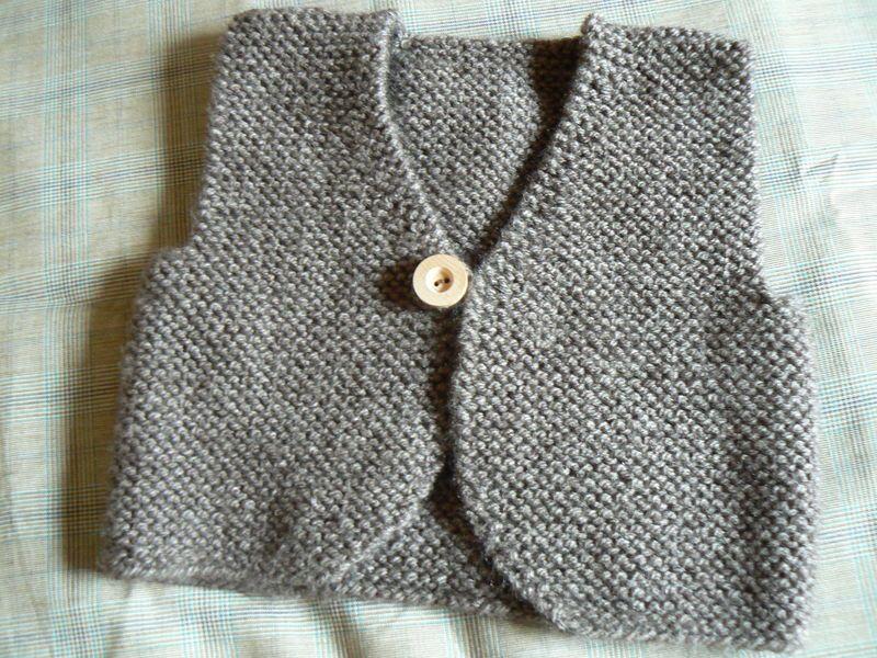 tricoter un gilet sans manche pour fillette