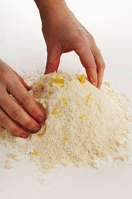 Crostata speziata con pan di Spagna tostato - Scuola di cucina ...