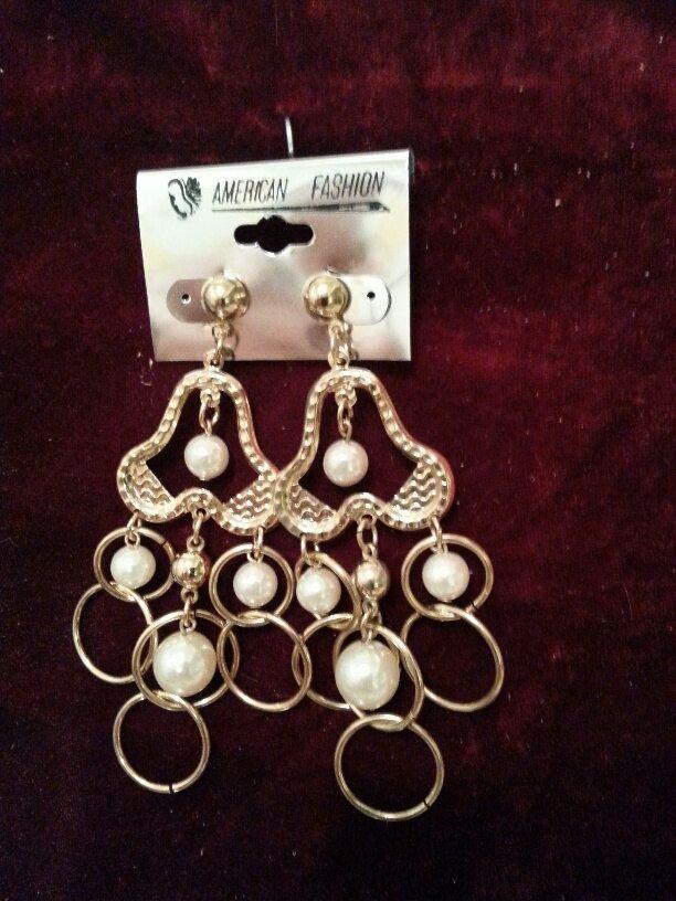 GOLD PEARL DANGLE // Vintage Gold Tone Faux Pearl Earrings//Big ...