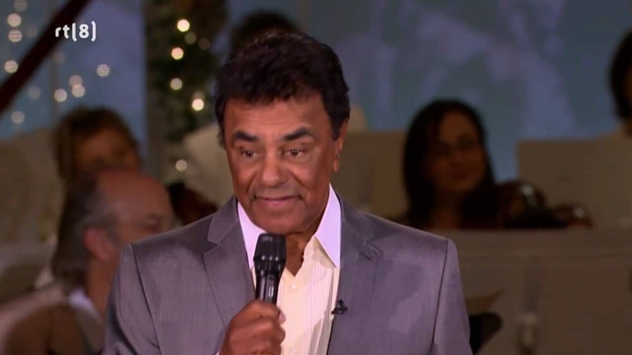 Johnny Mathis & Josh Groban - Christmas duet (+playlist) | MUSIC in ...