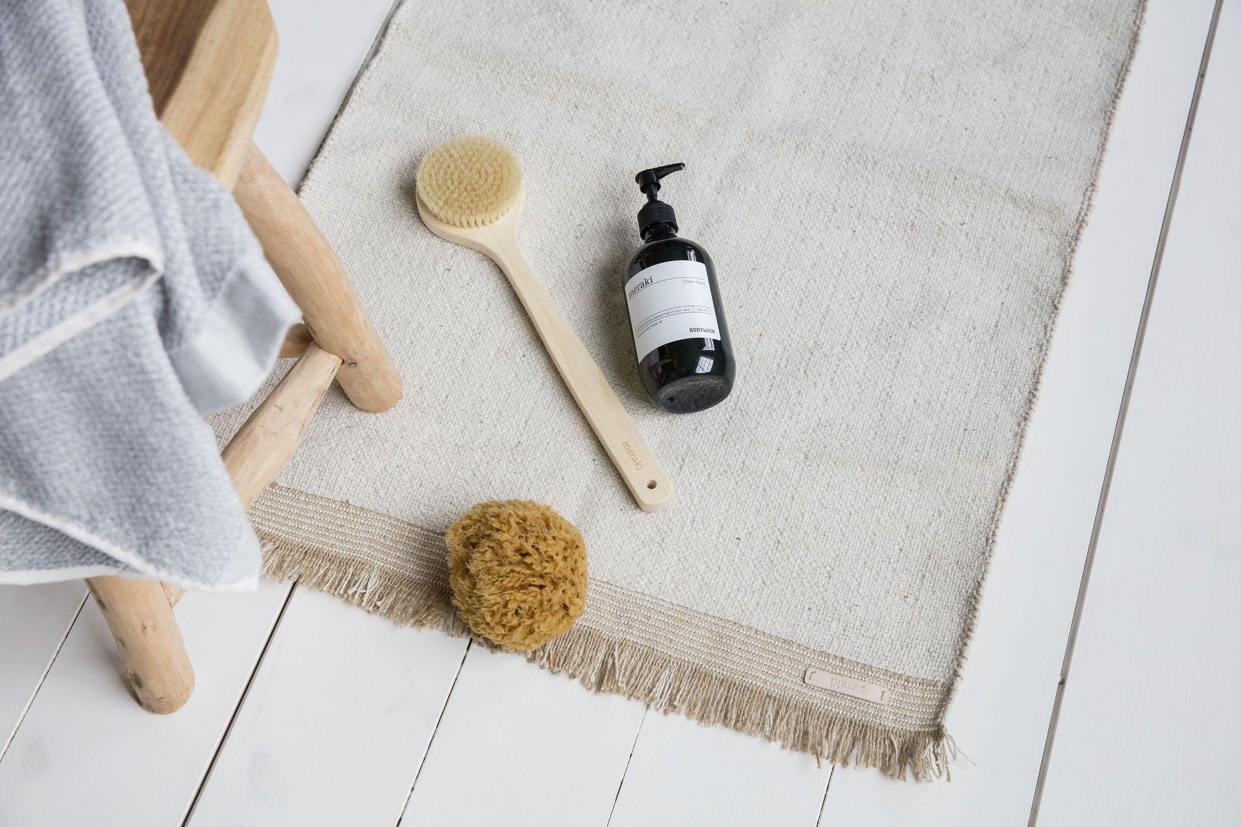 Schoner Teppich Fur Das Badezimmer Von Meraki Der Teppich Ist Aus Einer Kombination Aus 60 Baumwolle Und 40 Jute Gefe Dekoration Schone Teppiche Sofa Design
