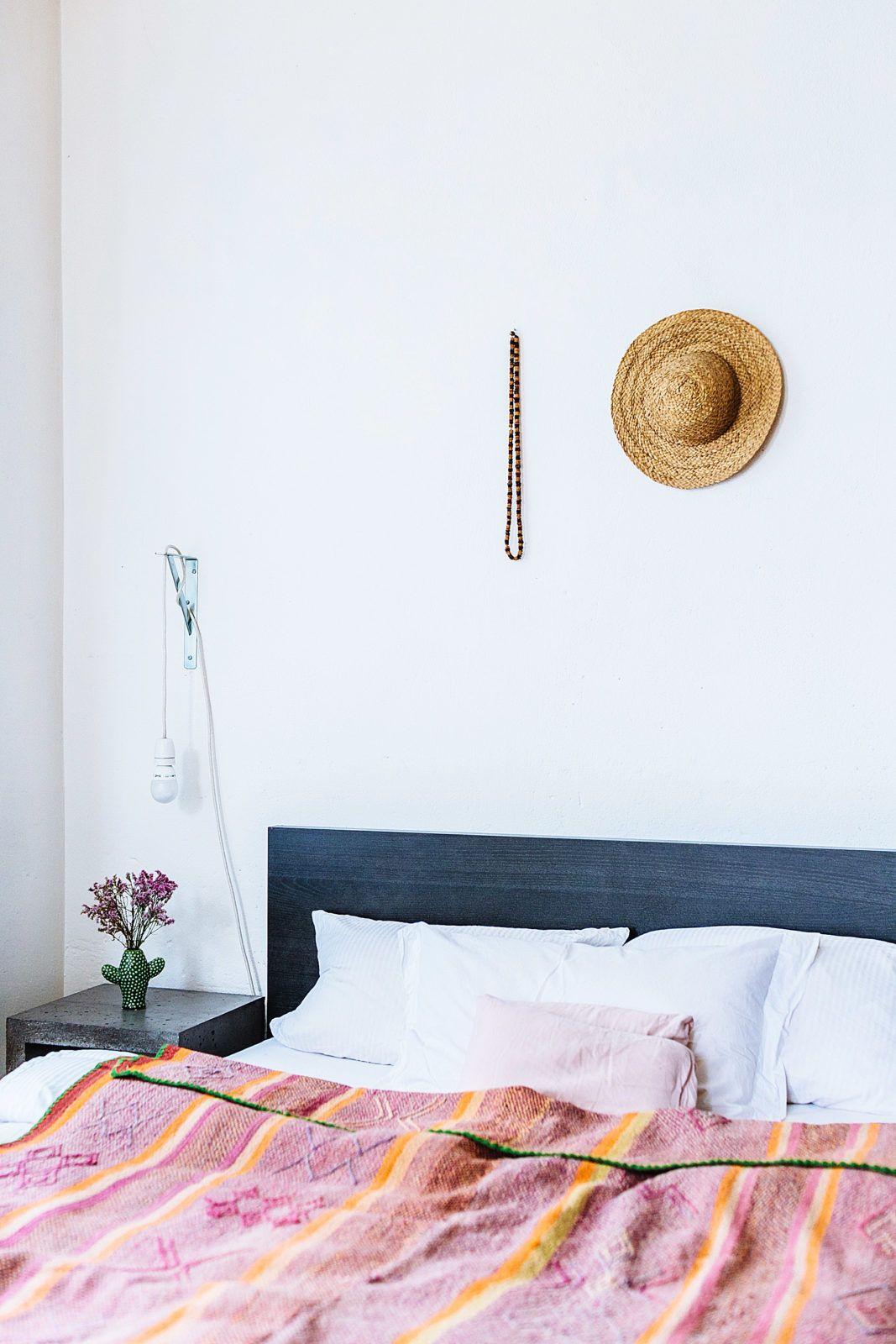 Fesselnd Homestory Mit Vanessa Und Leonie Von Nandi. Interior Inspiration:  Minimalistisches Hippie Schlafzimmer Mit Blauen