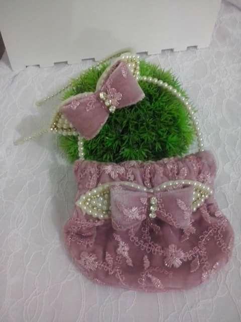 Perola veludo tiara  bolsa