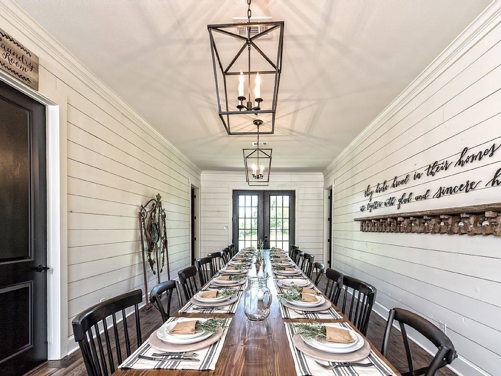 You Can Now Spend the Night In the Barndominium From \'Fixer Upper ...