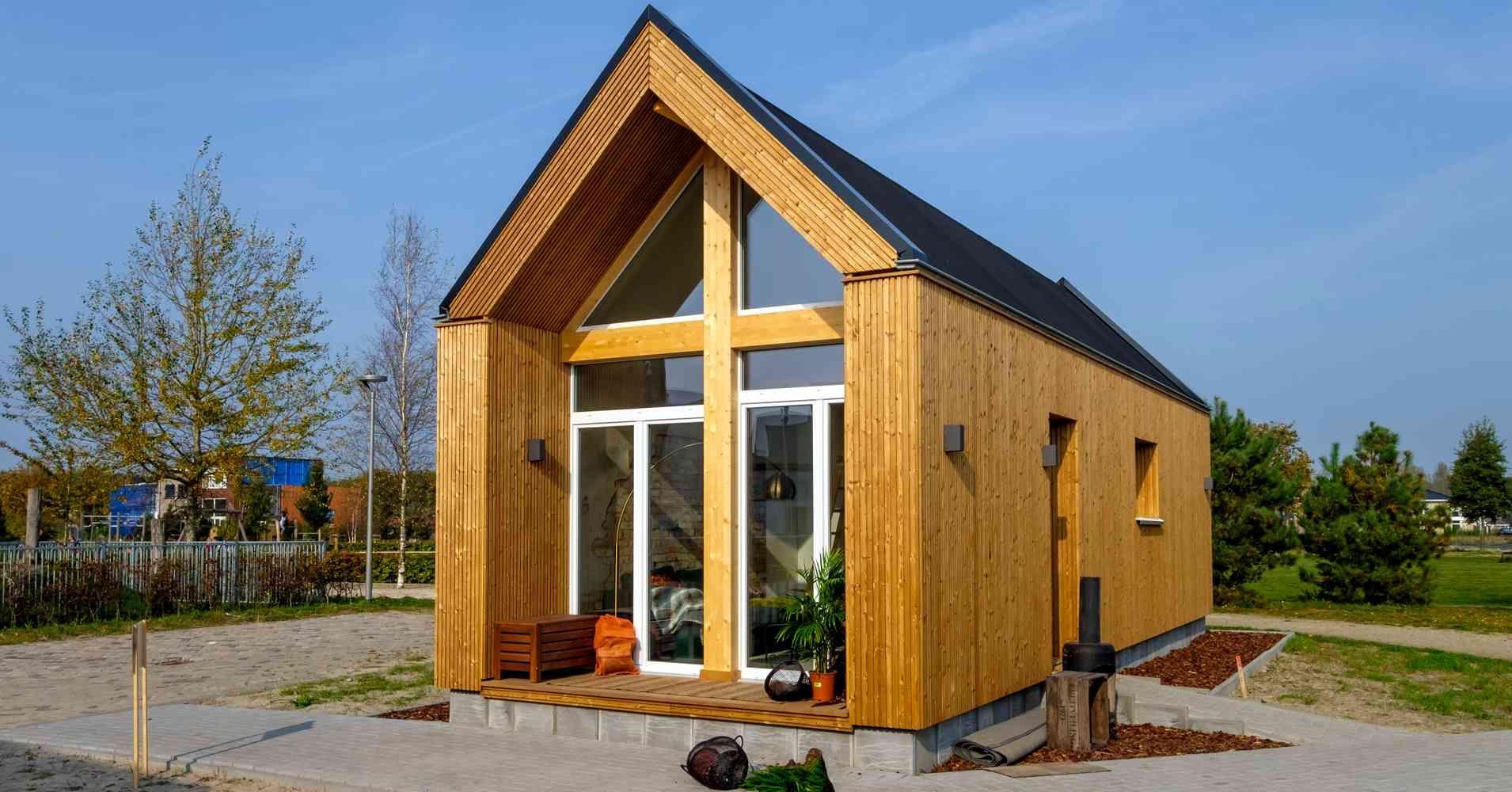 Tiny House Kaufen Modelle Und Preise In 2020 Gunstiges Haus Hinterhof Kleines Zuhause