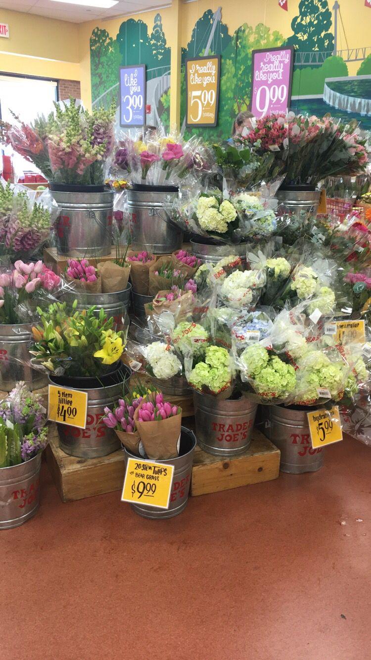 trader joes has beautiful flowers omg Beautiful flowers