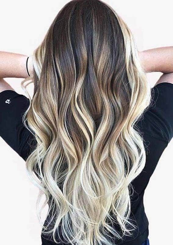 Awesome Long Hairstyles And Hair Colors For Women In 2020 Hair Styles Caramel Hair Hair Waves