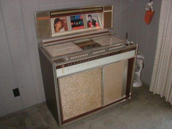 1964 vintage rockola jukebox juke box heath ohio 200 jukeboxes for sale pinterest. Black Bedroom Furniture Sets. Home Design Ideas