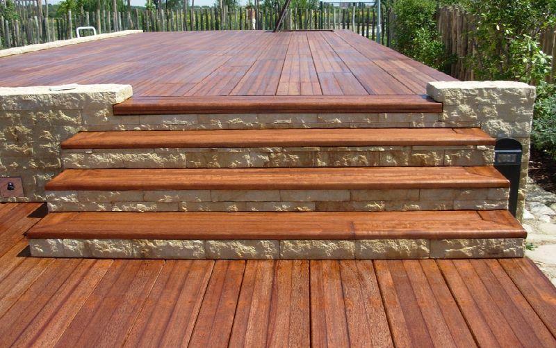Pavimentos de madera para exterior descubre la elegancia for Pavimentos para terrazas exteriores