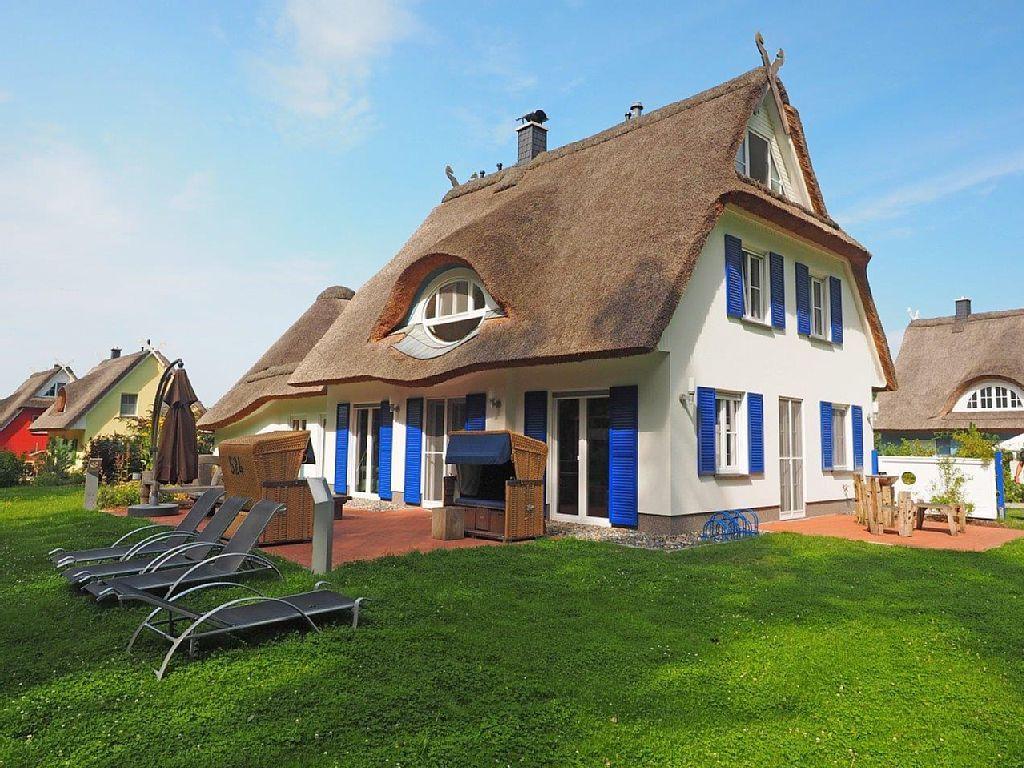 Villa Merle mit Schwimmbad Glowe Ferienhaus