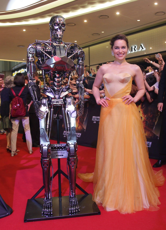1000 images about emilia clarke on pinterest emilia - Emilia Clarke Gold Dress Terminator